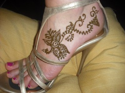 Top Simple Mehndi Designs