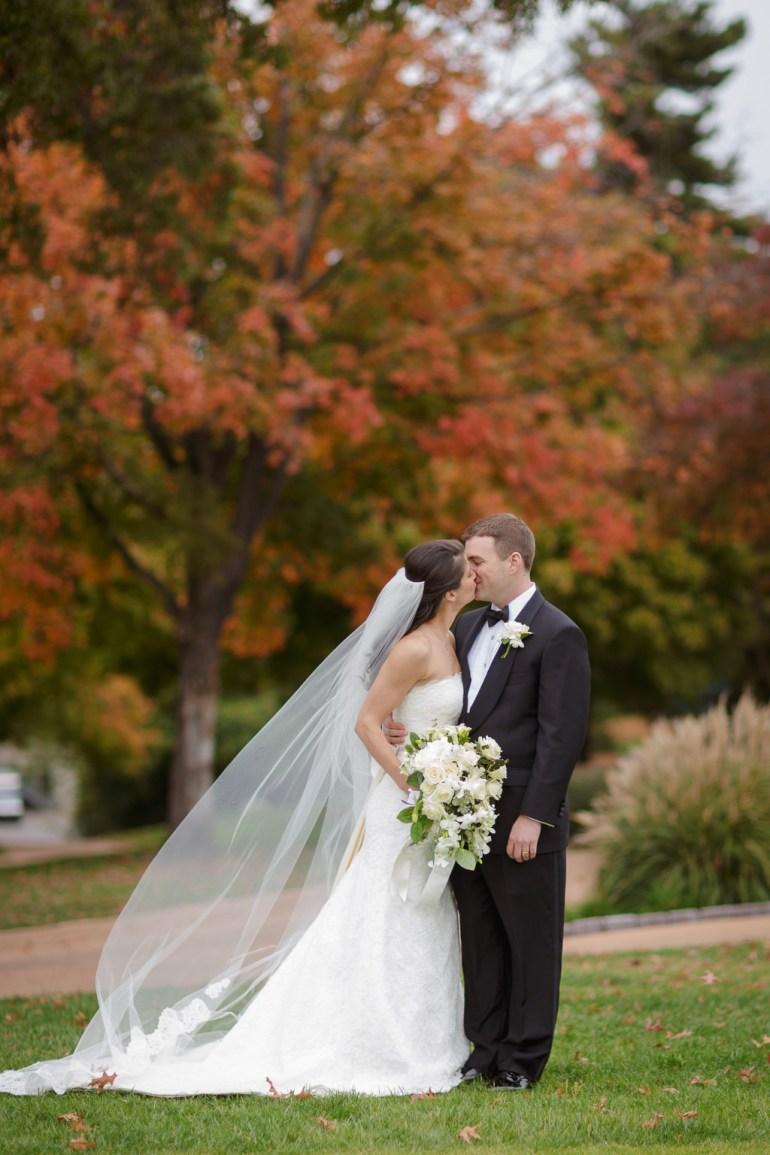 Saint-Louis-Wedding-Photographer-Photojournalist-Pillar-Bellerive-Country-Club-018