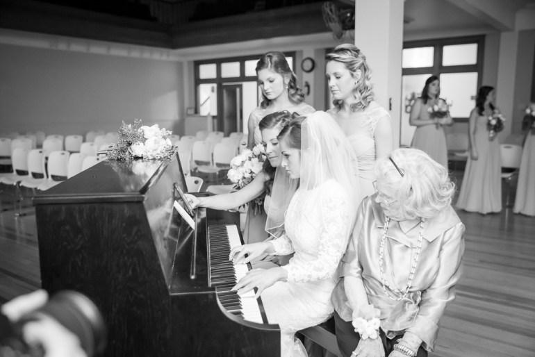 -Saint-Louis-Wedding-Photographer-Memorial-Presbyterian-Church-Neo-on-Locust-10