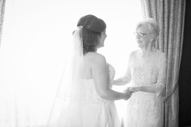 -Saint-Louis-Wedding-Photographer-Saint-Joseph's-Catholic-Church-Ritz-Carlton-Hotel-03