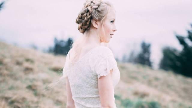 袖付きのドレス