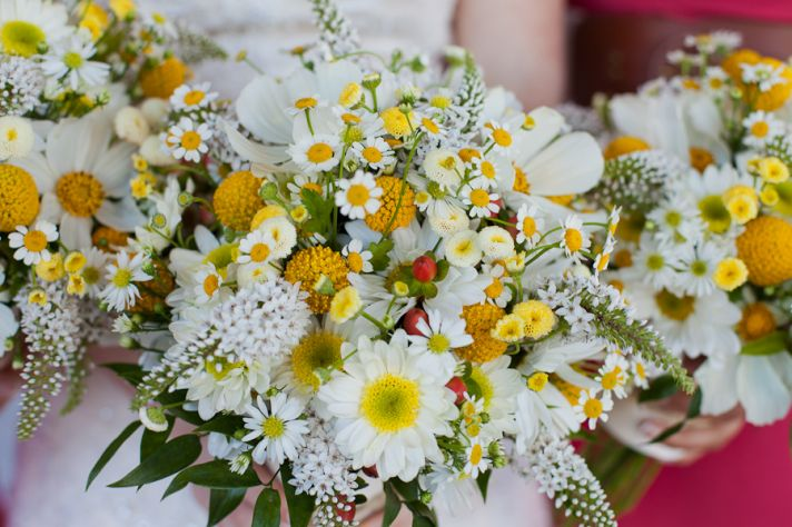 13 Budget-Friendly Blooms To Stretch Your Wedding Dollar
