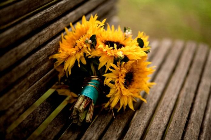 Bright cheerful sunflowers for your bridal bouquet