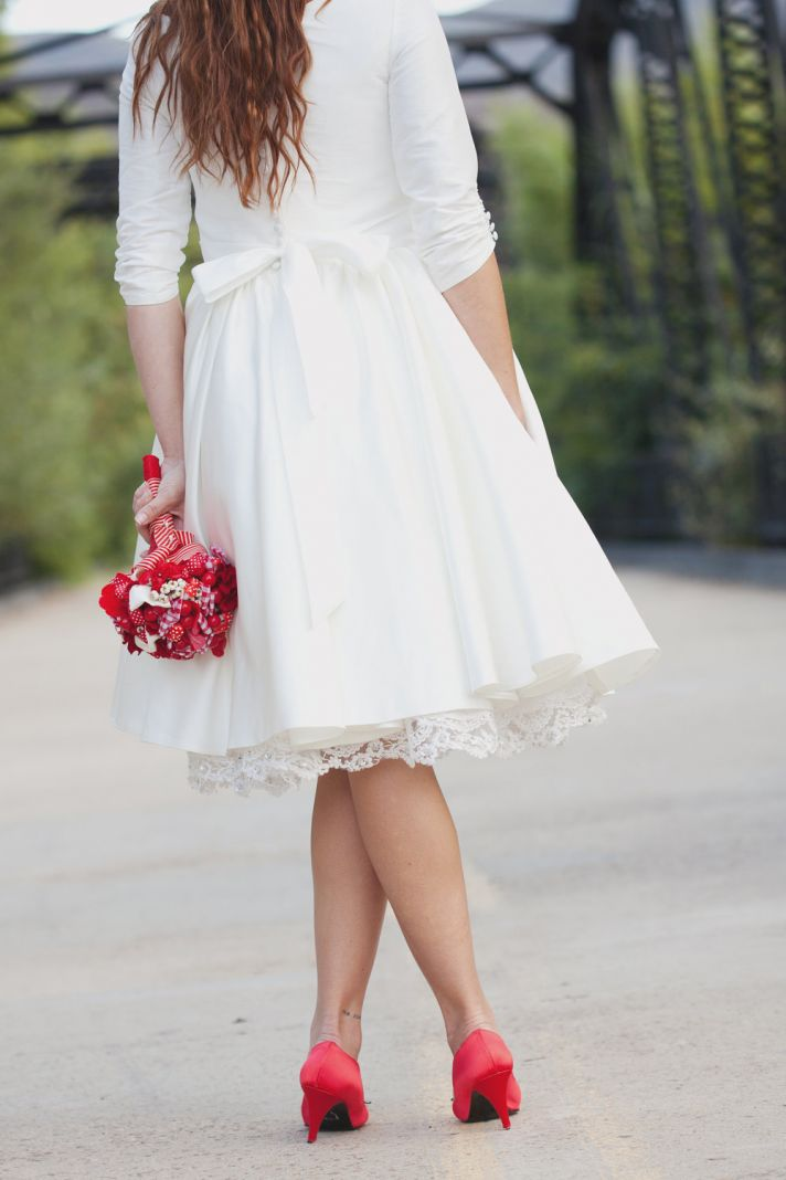 lovely lace LWDs for the brides wedding reception look tea length lace petticoat