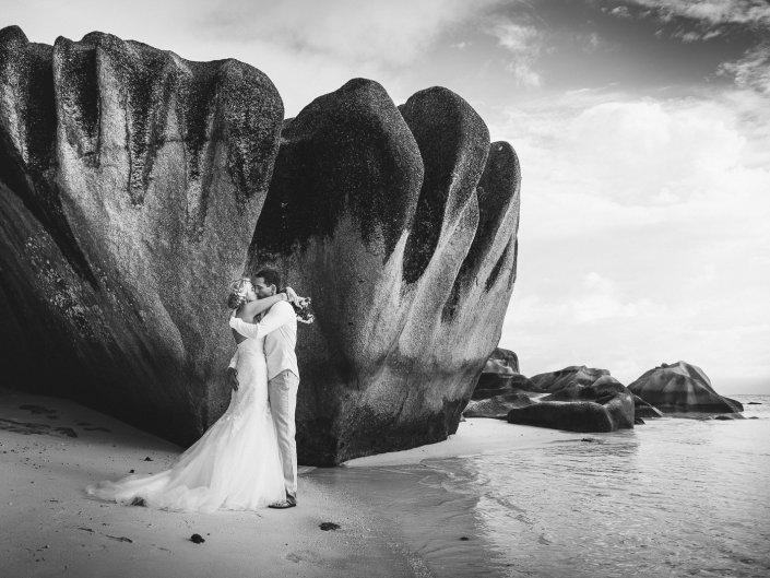moniquedecaro-seychelles-destination-wedding