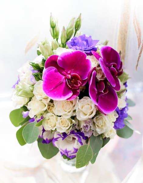 bukiet ślubny fuksja fiolet