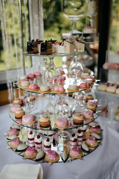 słodki stół ciastka wesele
