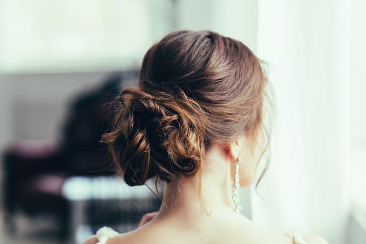 fryzury ślubne kok klasyczny