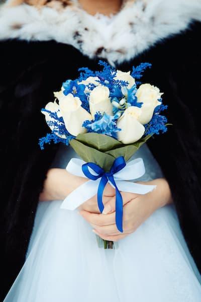 bukiet ślubny zima niebieski
