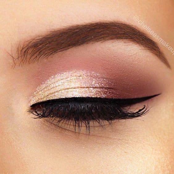 makijaż oka metaliczny