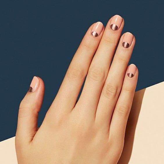 manicure wesele half moon złote