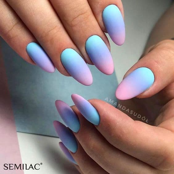 paznokcie matowe kolorowe ombre