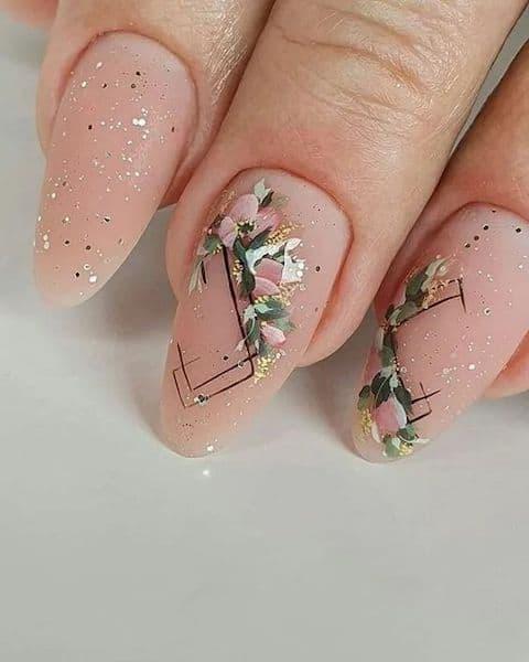 paznokcie na ślub kwiaty wzorki geometryczne