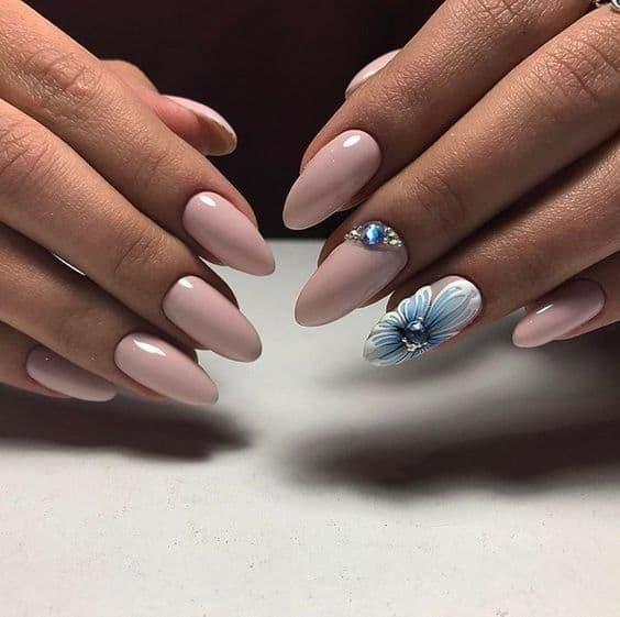 paznokcie panna młoda kwiaty niebieskie róż