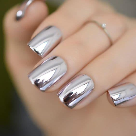 paznokcie ślubne lustrzane srebrne