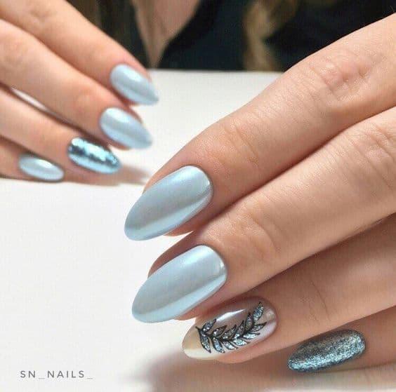 paznokcie ślubne niebieskie perłowe wzorki