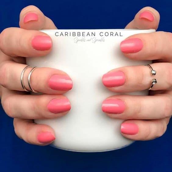 paznokcie ślubne oliwkowa cera koralowe matowe