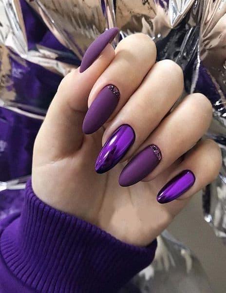 manicure ślubny jasna cera fiolet