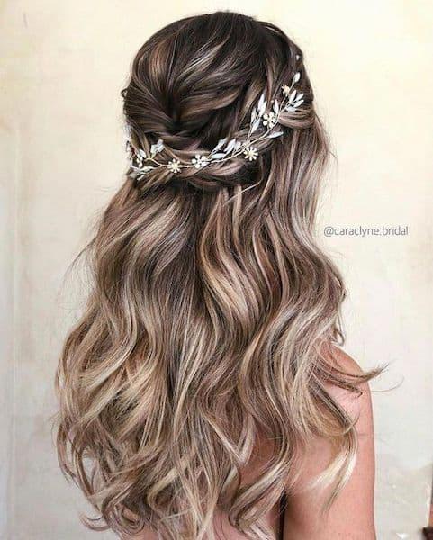 upięcie rozpuszczone włosy wesele