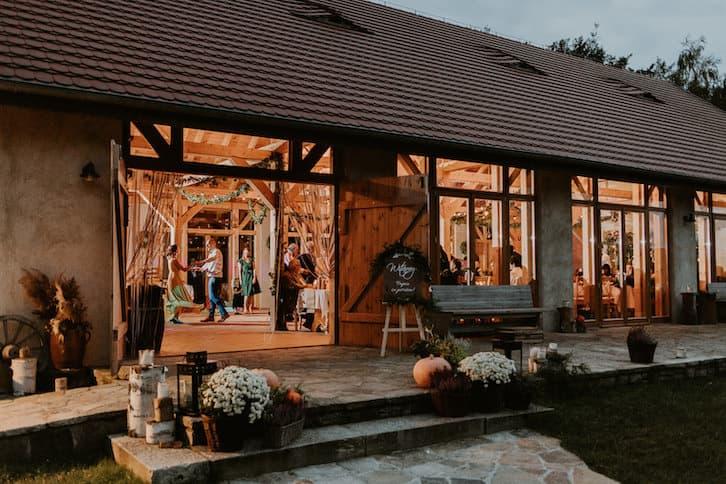 wesele w stodole hacjenda dolina żab