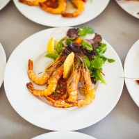Lo que debes considerar para contratar tu banquete