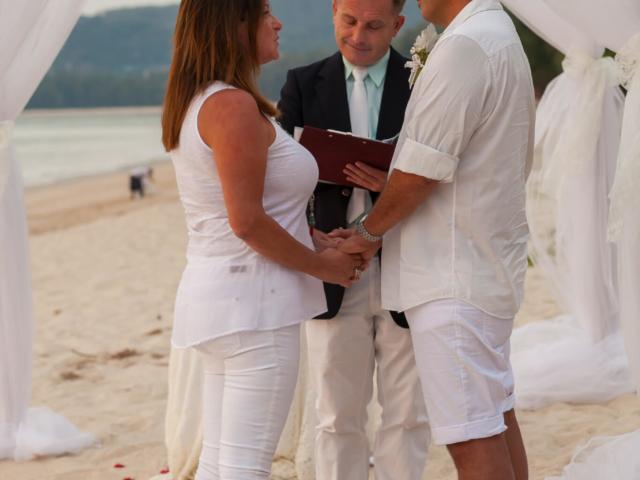 Beach marriage celebrant phuket (10)
