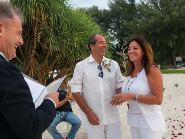 Beach marriage celebrant phuket (16)