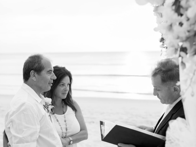 Beach marriage celebrant phuket (21)