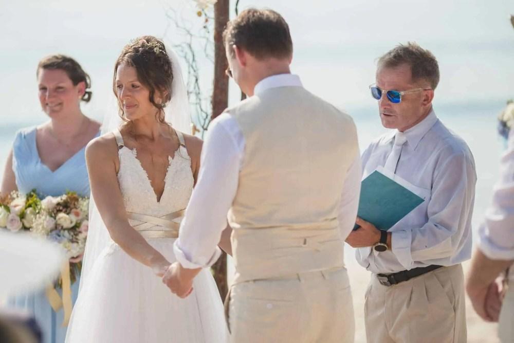Beach destination wedding celebrant phuket (9)
