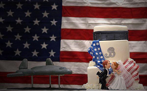 American themed wedding cake