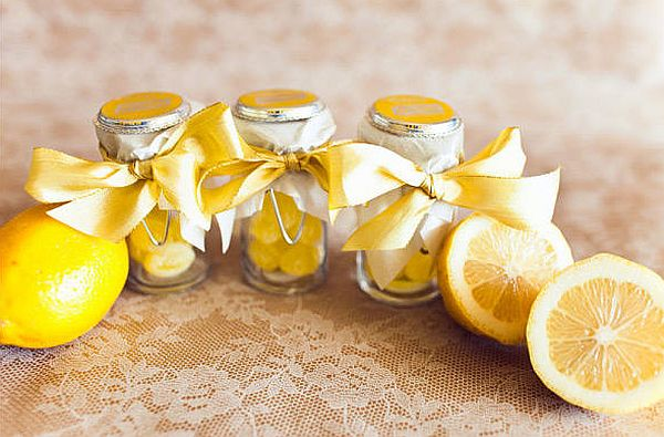 DIY lemon drop summer wedding favors