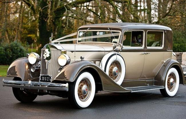 Hiring a wedding car