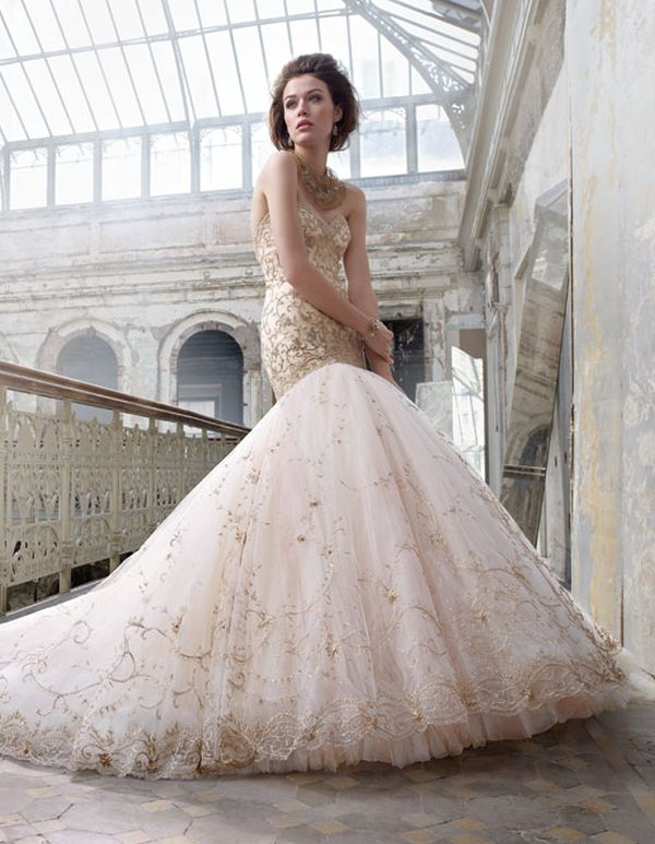Lazaro Perez's Bridal Collection