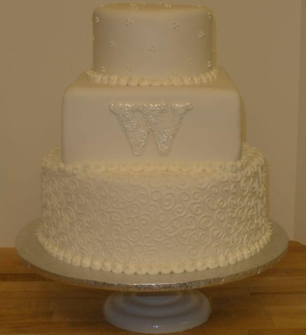 Pearl monogrammed cake