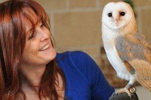 wendy-o-neill-with-spirit-the-owl-who-has-been-trained-to-deliver-wedding-rings-893152146-3265833