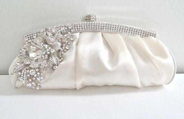 Modern-Ivory-Bridal-Purses-11