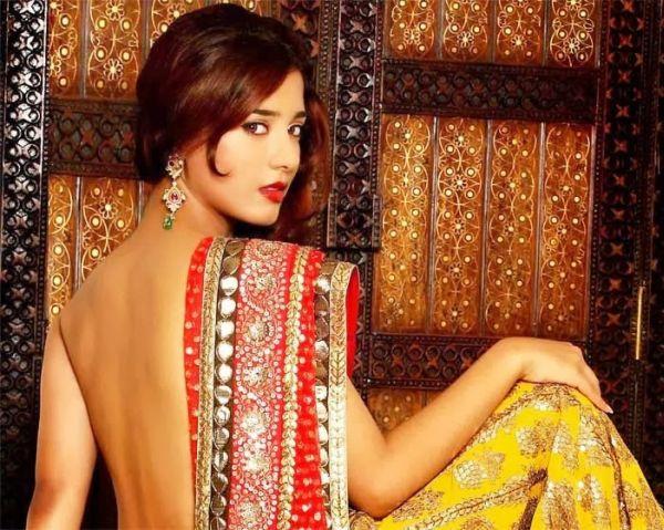 amrita-rao-red-yellow-sari-backless-2