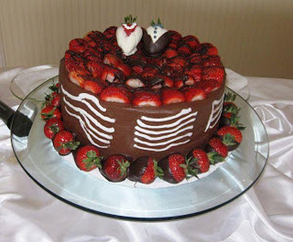 Red velvet groom's cake