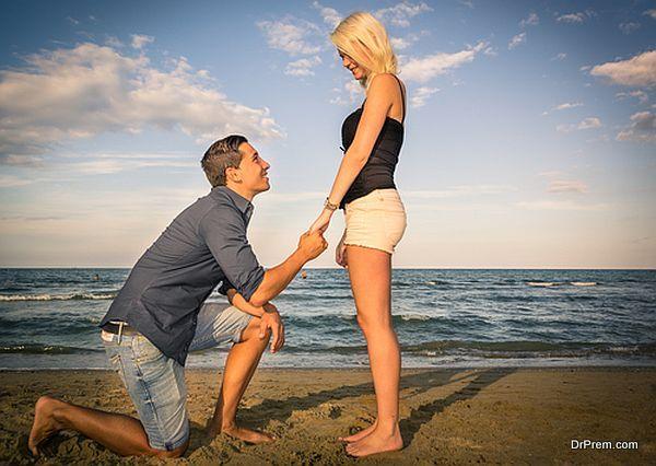 honeymoon-couple-1