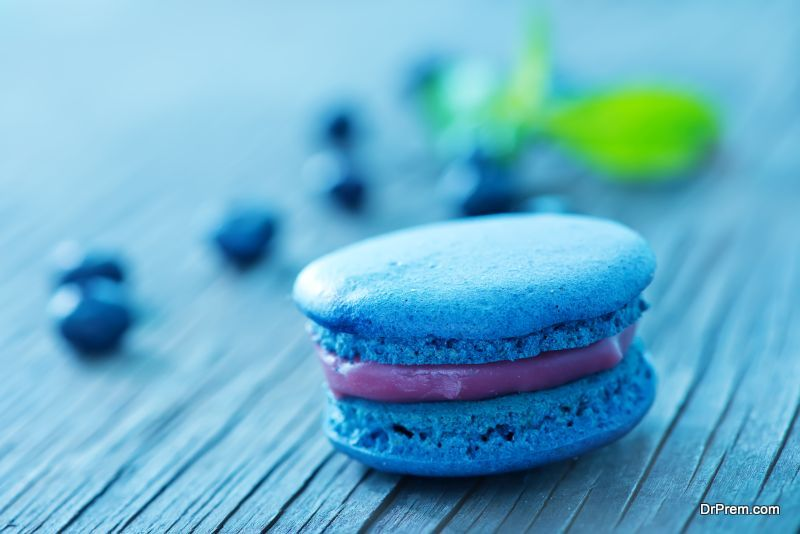 blueberry macaroon