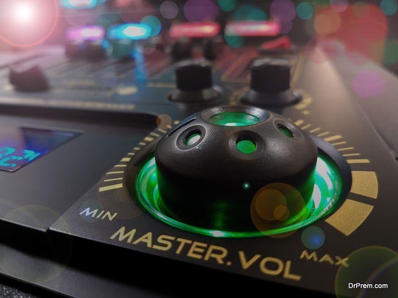 Live Music or DJ