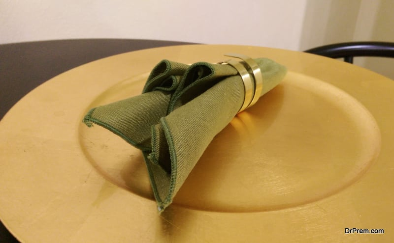 housewarming party with napkin rings