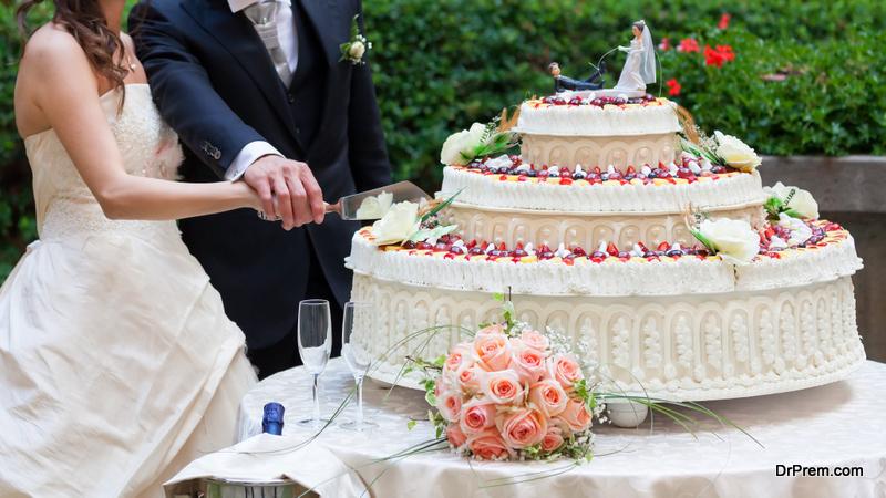 Huge-wedding-cake