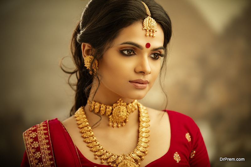 Jewellery-Pieces-That-Go-Well-with-Kanjeevaram-Saree.