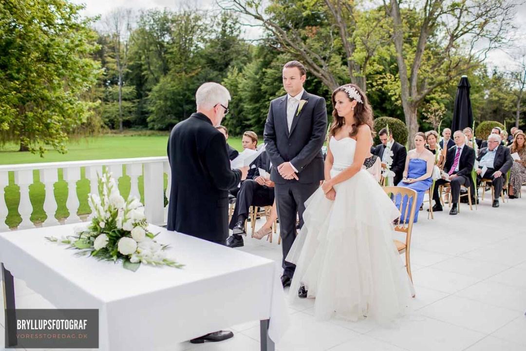 bryllupsbilleder kirke