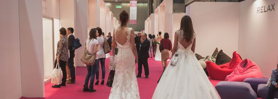 Your Guide To Getting Through A Bridal Show