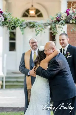 How To Become a Wedding Officiant   WeddingOfficiants com Are you interested in becoming a wedding officiant  Perhaps you ve just  performed a friend or family member s wedding ceremony and you had a great  time