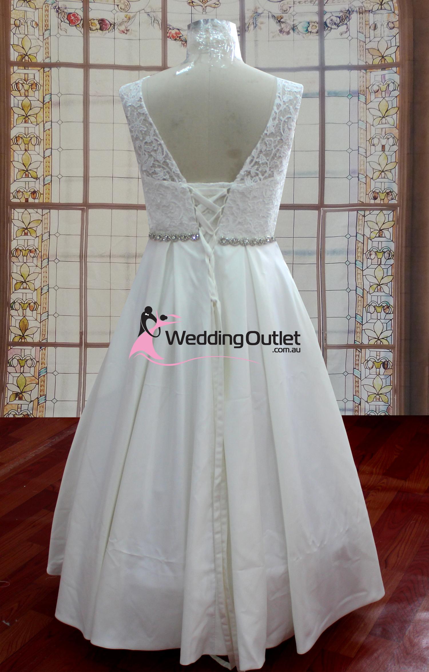 Aubree Beach Simple Lace Wedding Dress Au