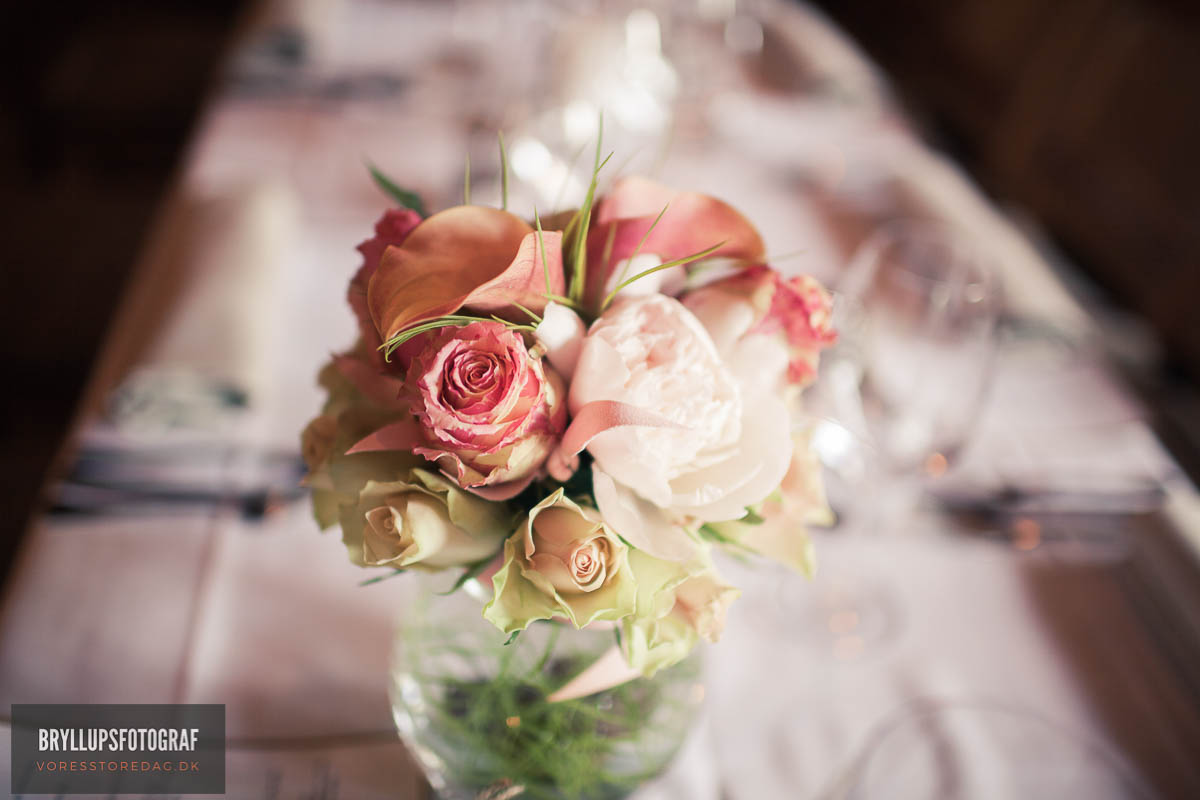 How to Buy Cheap Silk Flowers for Weddings