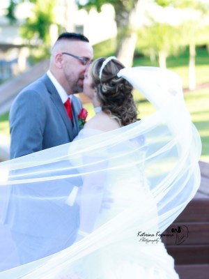 A wedding photographer in Palm Coast Florida